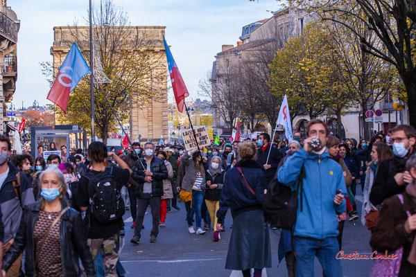 """""""Laissz-nous filmer, laissez-nous respirer"""" Manifestation contre la loi Sécurité globale. Samedi 28 novembre 2020, cours Victor Hugo, Bordeaux. Photographie © Christian Coulais"""
