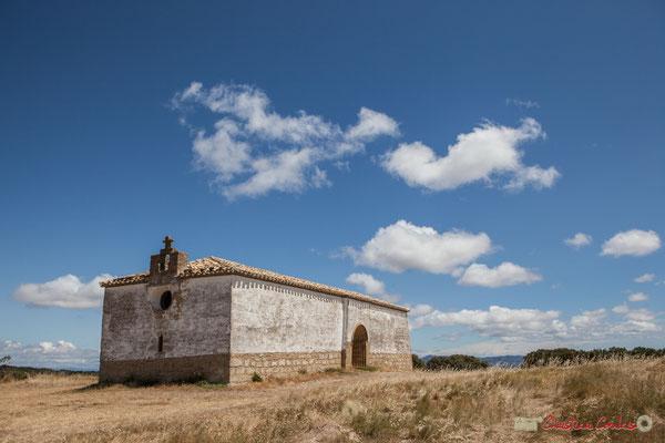 Chapelle extérieure à Ujué, Navarre, route NA-5311, GPS 42.451540, -1.497288