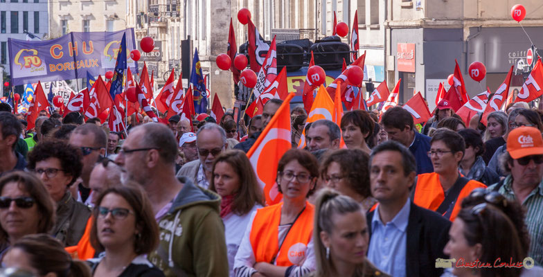"""Ballons rouge de F.O."" Manifestation intersyndicale de la Fonction publique, place Gambetta, Bordeaux. 10/10/2017"