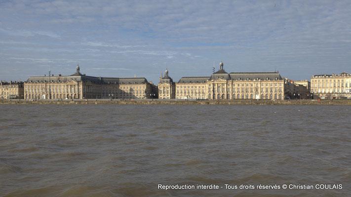 Musée des Douanes, place de la Bourse, Chambre de commerce et d'industrie, miroir d'eau, etc. Bordeaux patrimoine mondial de l'Unesco au titre d'ensemble urbain exceptionnel. Samedi 16 mars 2013