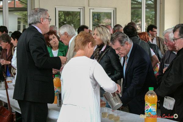Jean-Marie Darmian, Philippe Madrelle. Vin d'Honneur opération arbres de la laïcité, Créon. 19/06/2010