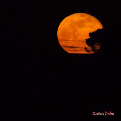 Super lune. Mercredi 8 avril 2020, 21h30mn53s. Cénac, Gironde, France.
