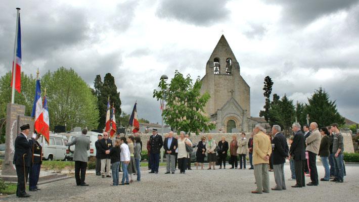 Hommages et commémoration de l'Armistice du 8 mai 1945 à Cénac, ce vendredi 8 mai 2009.