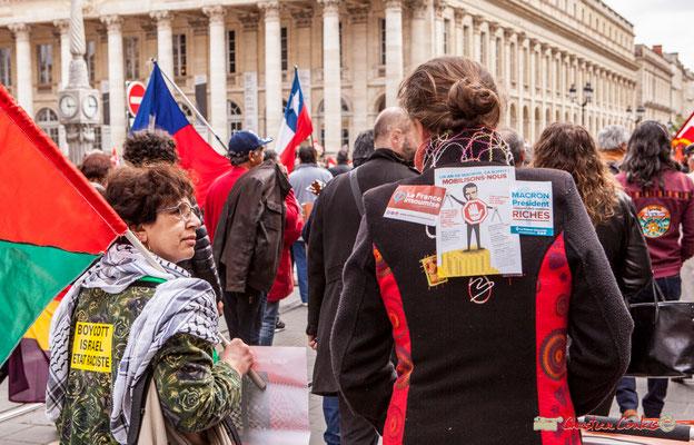 """11h16 """"Boycott Israël, état raciste"""" """"Un an de Macron, ça suffit ! Mobilisons-nous."""" """"Macron, Président des riches"""" Cours de l'Intendance, Bordeaux. 01/05/2018"""