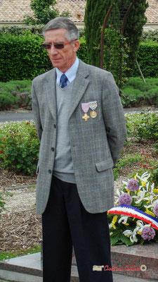 Gérard Pointet, ancien Maire, Président des Anciens Combattants. Hommages et commémoration de l'Armistice du 8 mai 1945 à Cénac, ce mardi 8 mai 2012.