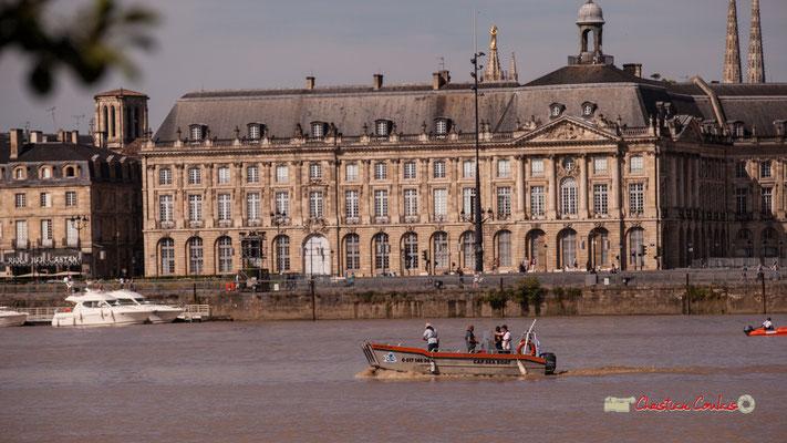 Demi-tout du Cap Seat Boat, devant le miroir d'eau. Bordeaux, 22/06/2019 Reproduction interdite - Tous droits réservés © Christian Coulais