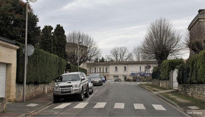 Avenue de la République par Gaël Moignot. Cénac d'aujourd'hui. 13/01/2018