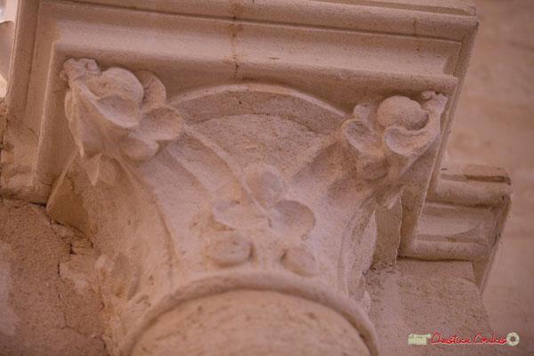 Détail d'un châpiteau de l'abside. Eglise Saint-André, Cénac. 28/04/2018