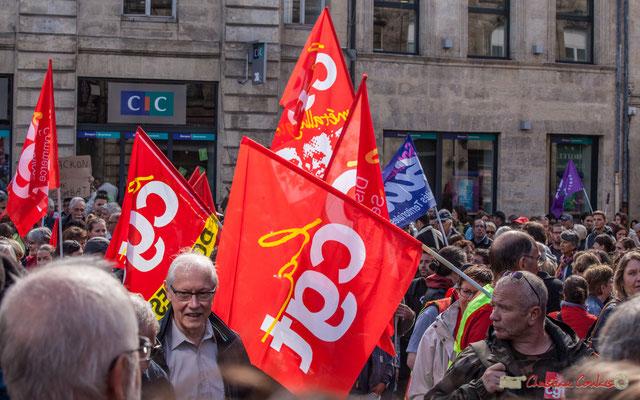 La CGT... et le retour du soleil. Manifestation contre la réforme du code du travail. Place Gambetta, Bordeaux, 12/09/2017