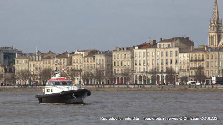 Vedette-pilote en attente. Bordeaux, samedi 16 mars 2013