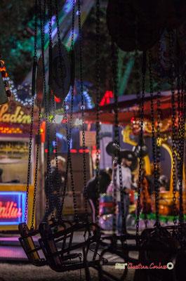 """""""Quant tout s'enchaine II"""" Au fil des allées de la Foire aux plaisirs. Bordeaux, mercredi 17 octobre 2018. Reproduction interdite - Tous droits réservés © Christian Coulais"""