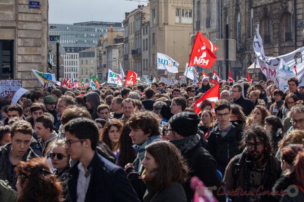 """14h25, """"Leurs bénéfices = nos sacrifices"""". Place Gambetta"""