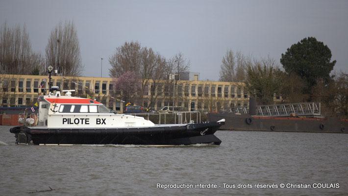 Vedette pilote du Port autonome de Bordeaux. Samedi 16 mars 2013