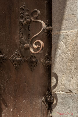 Marteau de porte d'entrée de maison / Inicio llamador de la puerta de entrada. Lumbier, Navarra