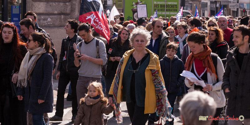 14h53 Alternative Libertaire. Manifestation intersyndicale de la Fonction publique/cheminots/retraités/étudiants, place Gambetta, Bordeaux. 22/03/2018