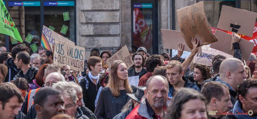 """""""Nous valons plus que la valeur"""" Manifestation contre la réforme du code du travail. Place Gambetta, Bordeaux, 12/09/2017"""