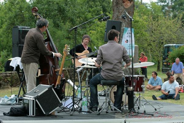 Iazid Ketfi, Philippe Bayle, Didier Ottaviani; Philippe Bayle Trio. Festival JAZZ360 2011, Quinsac. 05/06/2011