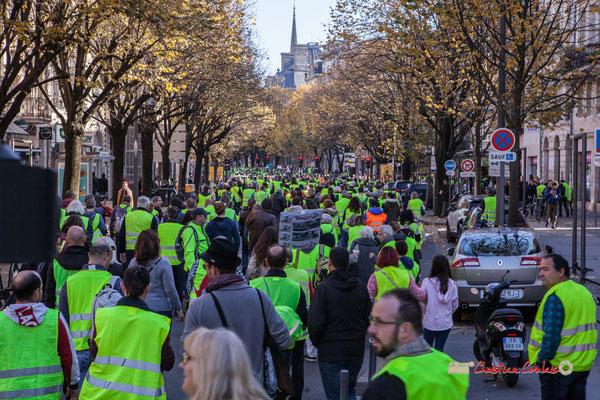 Manifestation nationale des gilets jaunes. Cours Victor Hugo, Bordeaux. Samedi 17 novembre 2018
