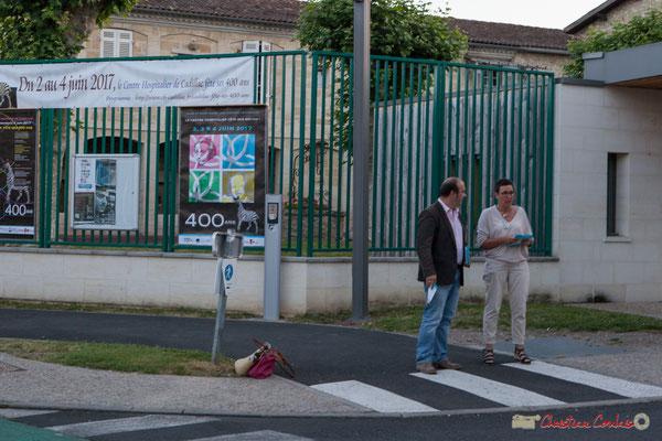 Christophe Miqueu et Nathalie Chollon-Dulong, candidats sur la 12ème circonscription de la Gironde. de 6h30/9h00, tractage auprès des personnels hospitaliers du C.H.S. et de l'U.M.D. de Cadillac. 01/06/2017