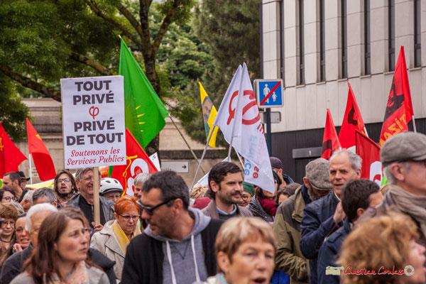 10h47 Manifestation du 1er mai 2018, Fête du travail : Solidarité internationale des travailleurs. Cours d'Albret, Bordeaux. 01/05/2018