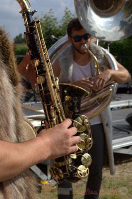 Saxophone alto de Mathis Polack, soubassophone de Damien Bachère. Festival JAZZ360 2015, Cénac, 12/06/2016