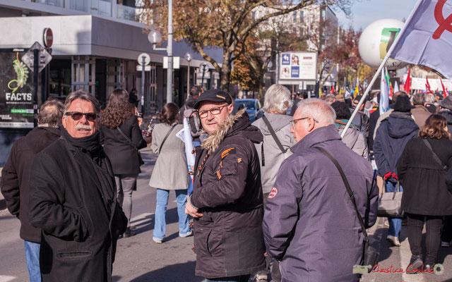 Militants actifs de la 12ème circonscription de la Gironde. Manifestation intersyndicale contre les réformes libérales de Macron. Cours d'Albret, Bordeaux, 16/11/2017