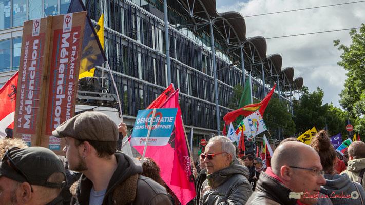 """""""Démocratie en entreprise"""" Manifestation du 1er mai 2017, avec la France Insoumise, cours d'Albret, Bordeaux"""