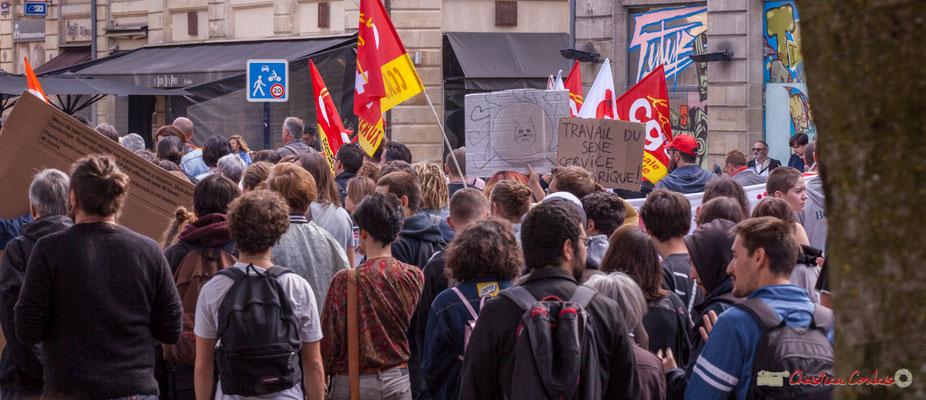 """""""Travail du sexe service (lub)rique ! Manifestation intersyndicale de la Fonction publique, place Gambetta, Bordeaux. 10/10/2017"""