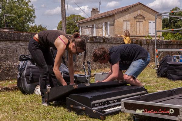 Charlotte Léric et son équipe change de plateau pour assurer la venue du prochain groupeSwing Home Trio. Festival JAZZ360 2019, Camblanes-et-Meynac. 08/06/2019