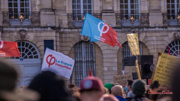 """""""La France insoumise"""" Manifestation contre la loi Sécurité globale. Samedi 28 novembre 2020, place de la Bourse, Bordeaux. Photographie © Christian Coulais"""