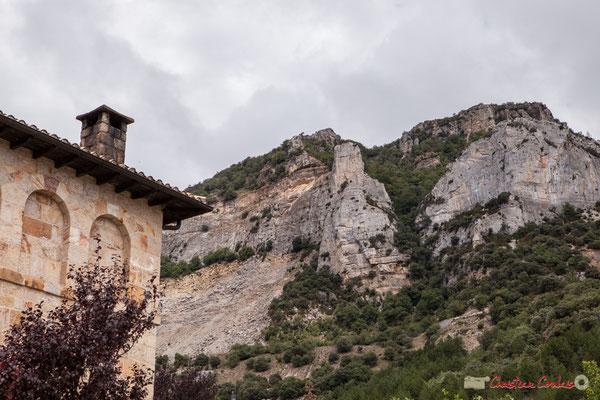 Monastère San Salvador de Leyre au pied de la Sierra /  Monasterio de San Salvador de Leyre al pie de la Sierra, Yesa, Navarra