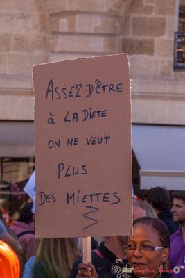 """""""Assez d'être à la diète, on ne veut plus des miettes"""" Manifestation intersyndicale de la Fonction publique, place Gambetta, Bordeaux. 10/10/2017"""