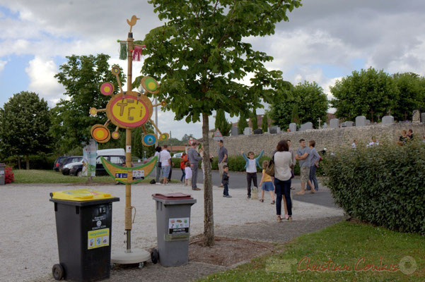 Le Festival JAZZ360 2012 est partenaire du SEMOCTOM, pour valoriser le tri et diminuer les déchets. Cénac, 08/06/2012