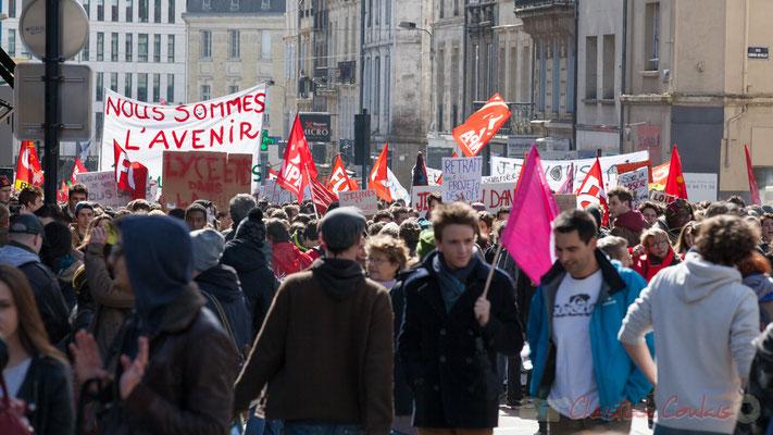 """14h22, """"Lycéens dans la rue"""", """"Nous sommes l'avenir"""", rue du Docteur Charles Nancel Penard, Bordeaux"""