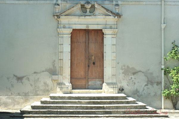 Détail d'architecture. Porte du Château de Latresne, site de l'Aérocampus Aquitaine