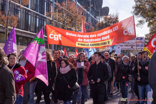 """Union locale des syndicats CGT de Bordeaux Nord """"à bas le capitalisme"""" Manifestation intersyndicale contre les réformes libérales de Macron. Cours d'Albret, Bordeaux, 16/11/2017"""