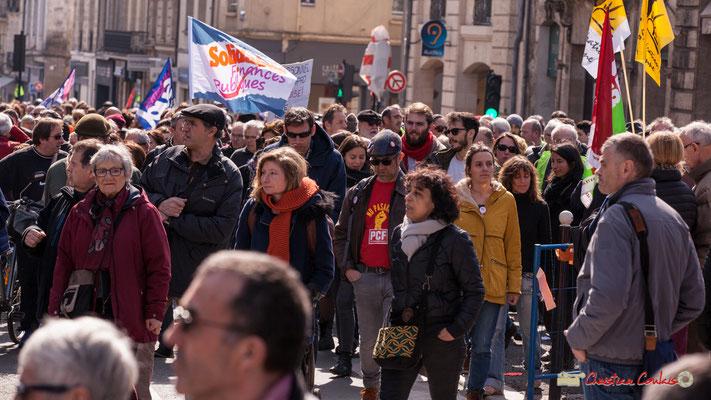 14h53 Manifestation intersyndicale de la Fonction publique/cheminots/retraités/étudiants, place Gambetta, Bordeaux. 22/03/2018