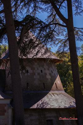 Manège à la toiture poivrière, écuries du Château de Chaumont-sur-Loire, Loir-et-Cher, Région Centre-Val-de-Loire. Lundi 13 juillet 2020. Photographie © Christian Coulais
