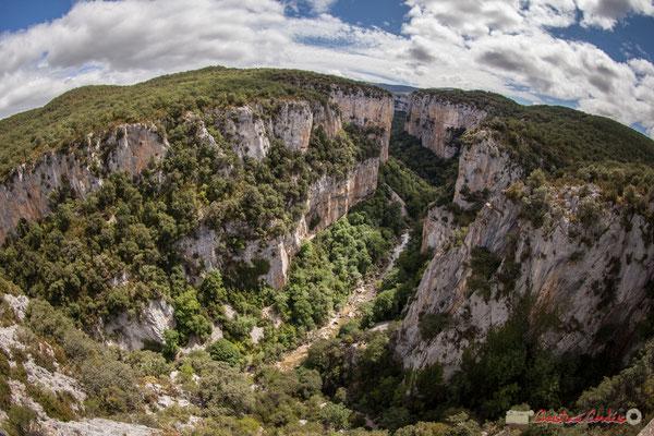 objectif 15mm. Belvédère d'Iso, Gorge de Arbaiun, Navarre / Belvedere de Iso, Foz de Arbaiun, Navarra