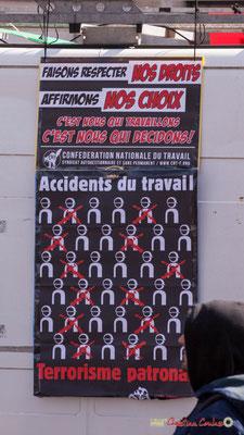 """15h01 C.N.T. """" Faisons respecter nos droits, affirmons nos choix, c'est nous qui travaillons, c'est nous qui décidons. Accidents du travail/Terrorisme patronal"""" Manifestation intersyndicale de la Fonction publique, Bordeaux. 22/03/2018"""