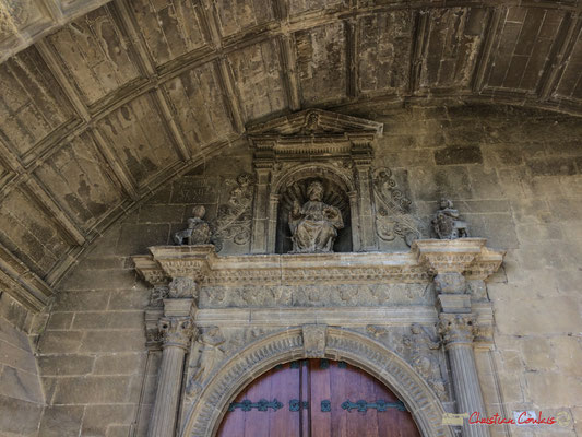 Porche de l'église San Pedro / Pórtico de la iglesia de San Pedro, Aibar, Navarra