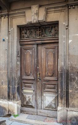 26b Porte double battant d'hôtel particulier, Arles