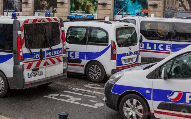 14h53, la police ferme le cortège. Trente-et-une minutes de défilé incessant, place Gambetta, à Bordeaux