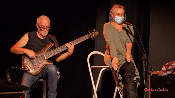 Création musicale Siladigueron. Jack Tocah, Carole Simon-Tocah, cheffe de cœur. Lundi 7 juin 2021, Cénac. Photographie © Christian Coulais