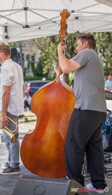"""""""Quant la contrebasse dévoile son dos"""" Jérôme Armandie, Quintet On Lee Way, Festival JAZZ360, Quinsac, 11/06/2017"""