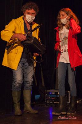Michel Bourdot, référent JAZZ360 pour ce projet Siladigueron, et la clarinettiste Louise. Lundi 7 juin, Cénac. Photographie © Christian Coulais