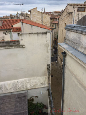 39 Depuis l'un des terrasses de la Fondation Vincent van Gogh, rue des Pénitents bleus, rue de la Liberté, Arles
