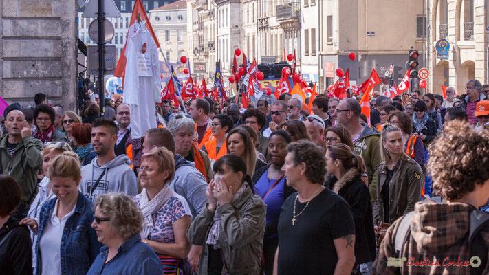 12h35, arrivée de F.O. Manifestation intersyndicale de la Fonction publique, rue du Docteur Nancel Pénard, Bordeaux. 10/10/2017