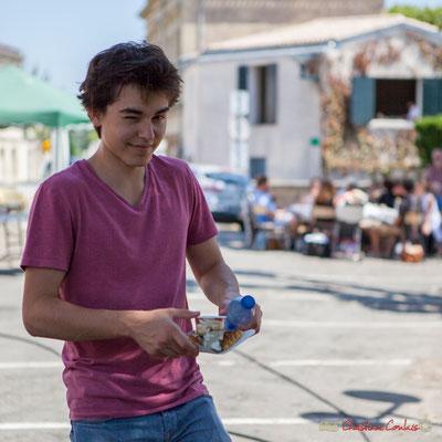 """Clin d'œil"" Tom Ibarra et son dessert. Festival JAZZ360, 10 juin 2017, Camblanes-et-Meynac"