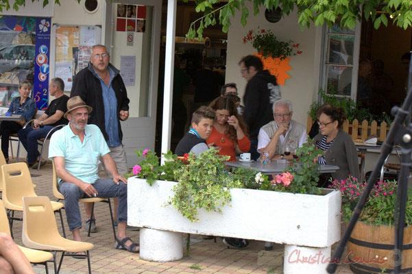 """""""Terrasse du bar le Liberté"""" Festival JAZZ360 2012, Ateliers Jazz de l'I.R.E.M.; Cénac, 09/06/2012"""